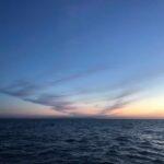 Zachód słońca obserwowany ze statku